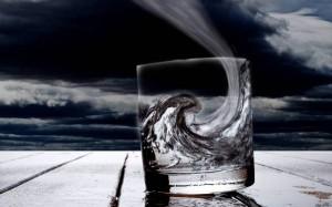 для кого-то и в стакане буря — Буря